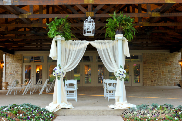 Decorated Wedding Columns with Fabric