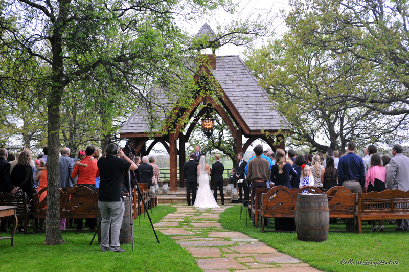 classic_oaks_ranch_wedding_day_024