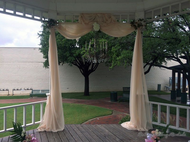 grapevine town center gazebo - wedding day - 2302