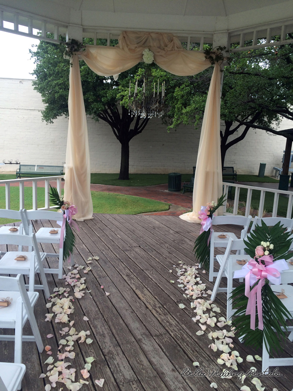 grapevine town center gazebo - wedding day - 2311