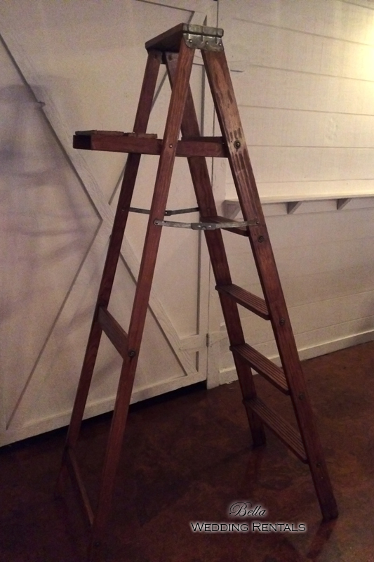 wood-ladder--rustic---7826