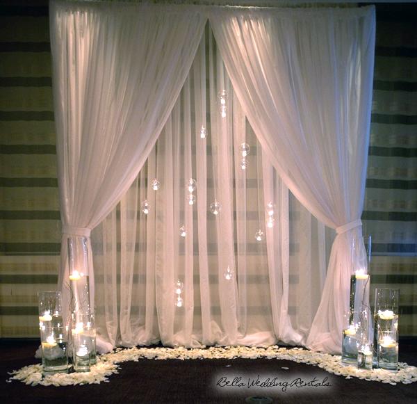 White Wedding Altar: Wedding Altar Design & Resource