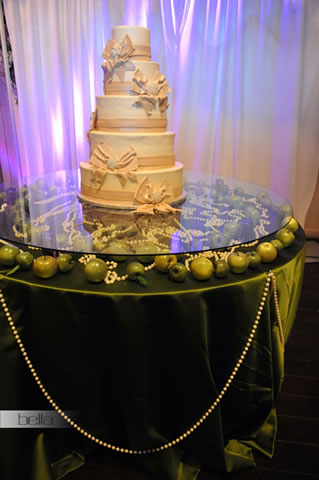 wedding cake table - wedding day - 2016