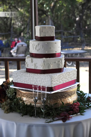 wedding cake table - wedding day - 2033