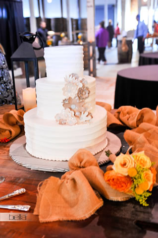 wedding cake table - wedding day - 2035