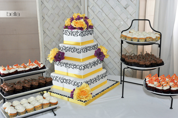 wedding cake table - wedding day - 2049