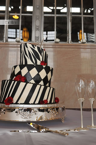 wedding cake table - wedding day - 2053