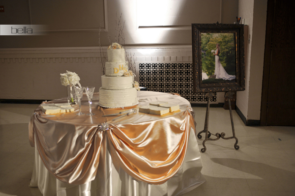 wedding cake table - wedding day - 2057
