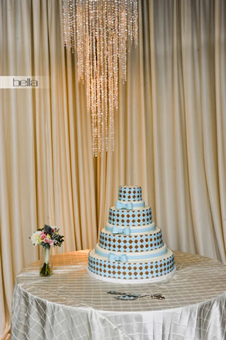 wedding cake table - wedding day - 2059