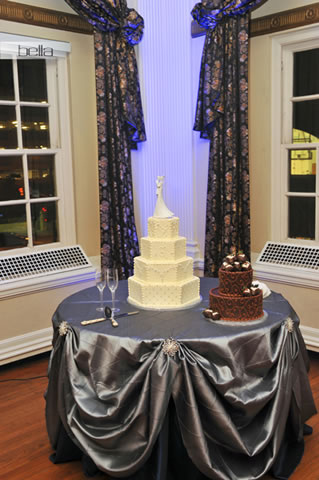 wedding cake table - wedding day - 2072