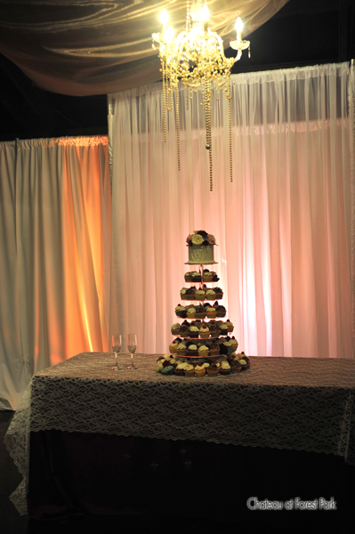 wedding cake table - wedding day - 2084