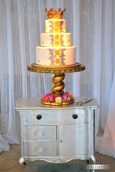 wedding cake table - wedding day - 2091