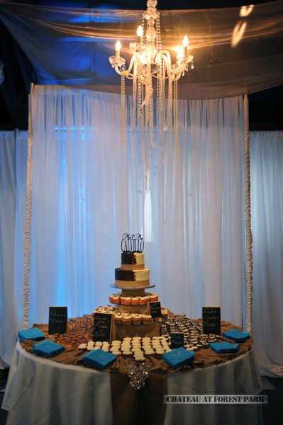 wedding cake table - wedding day - 2093