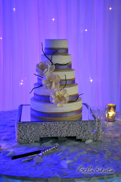 wedding cake table - wedding day - 2110