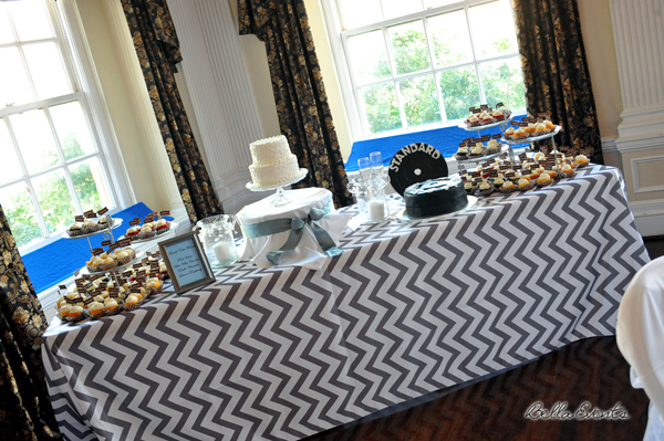 wedding cake table - wedding day - 2118